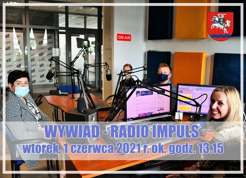 Wnętrze studia nagrań Radia Impuls, herb powiatu, napis daty wywiadu  wtorek 1 czerwca 2021 godz. 13.15