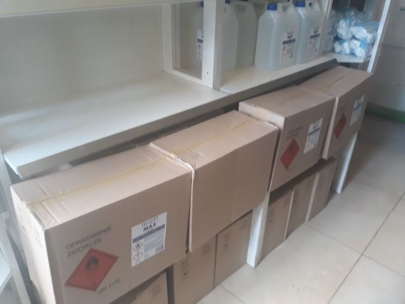 środki do dezynfekcji w kartonach