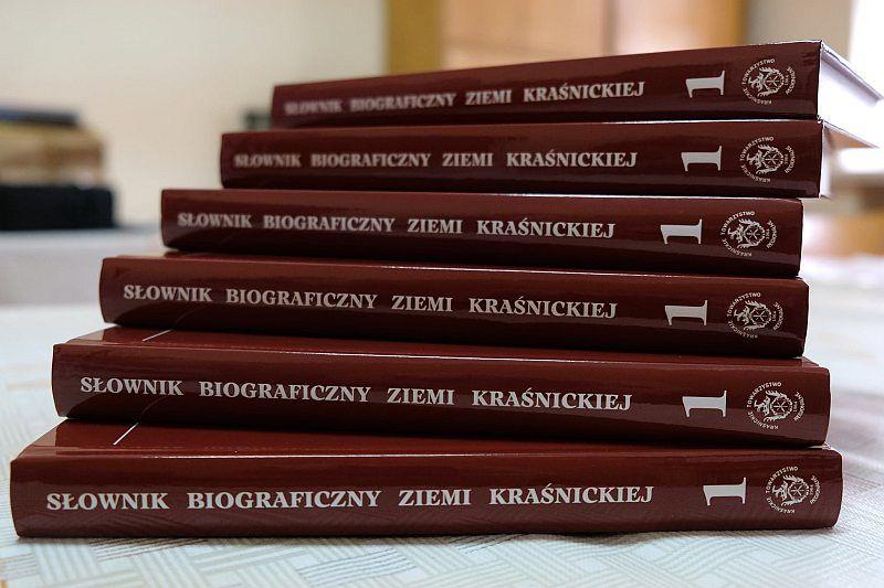 Książki stos