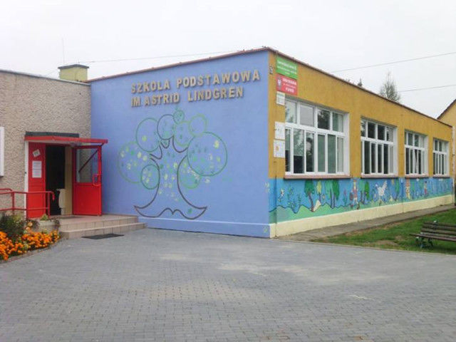 Budunek Szkoła Podstawowa im. Astrid Lindgren  w Zastrużu